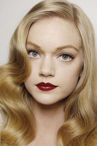 Red lipstick. Изображение № 27.