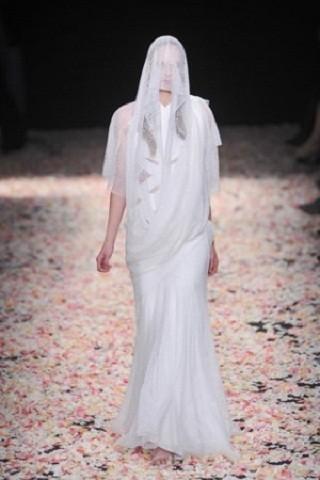 """""""Выбираем свадебное платье!"""" 93 идеи ведущих дизайнеров. Изображение № 91."""