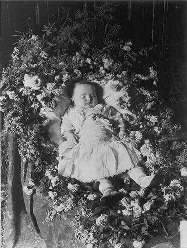 Книги мертвых. Жуткая традиция 19 века. Изображение № 2.