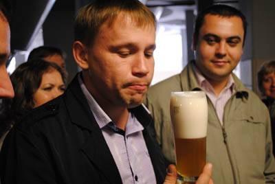 Пиво пенное, свежее, светлое. Изображение № 2.