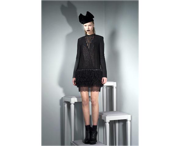 Новые коллекции: Acne, Dior, Moschino, Viktor & Rolf. Изображение № 30.