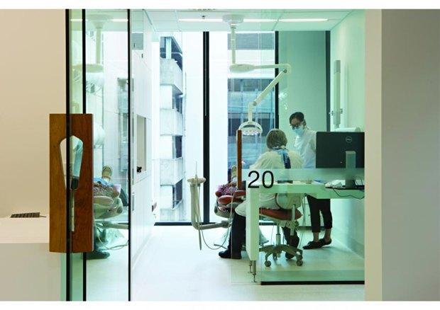 Центр здоровья полости рта Университета Квинсленда в Австралии авторства Cox Rayner Architects. Изображение № 88.