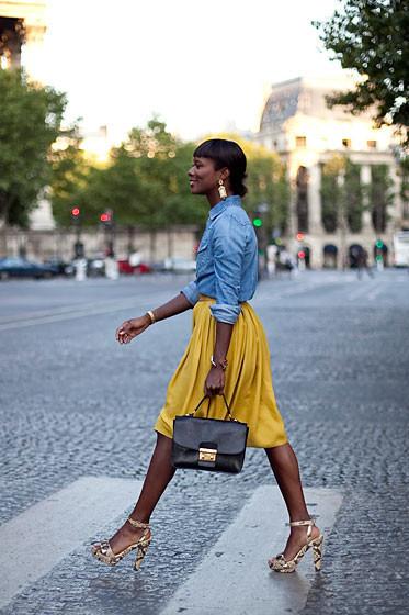 Уличный стиль на Неделе высокой моды в Париже. Изображение № 44.