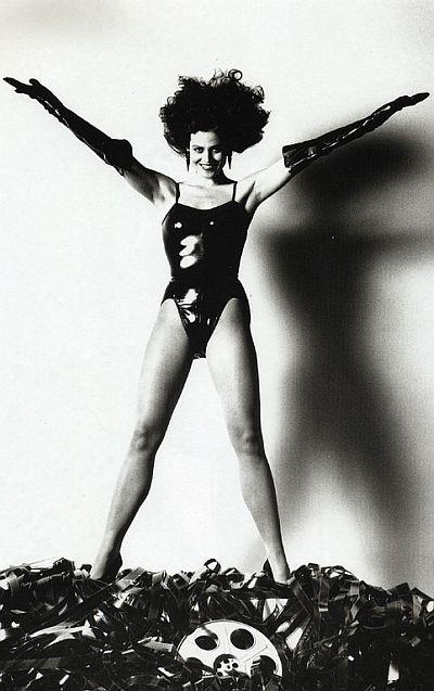 Helmut Newton-гурман женской плоти. Изображение № 32.