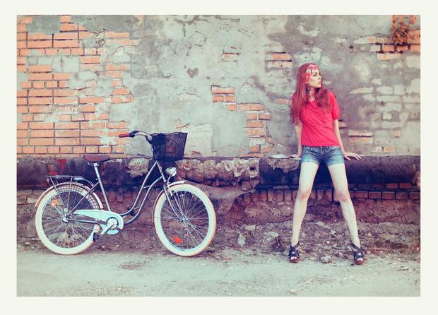 VELOVE. Любовь, Девушки, Велосипеды.. Изображение № 3.