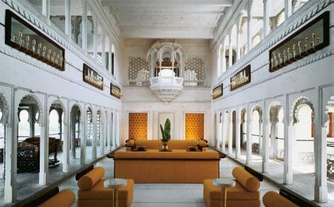 Толстенная книга оста крутых отелях мира. Изображение № 4.