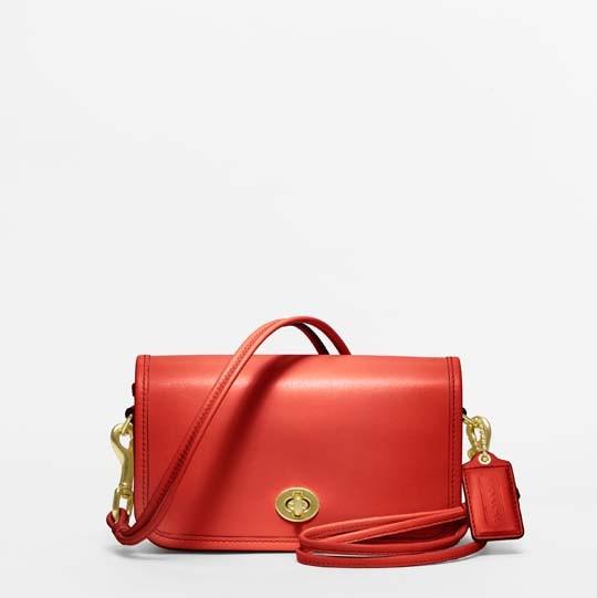Лукбук: сумки Coach Classics. Изображение № 7.