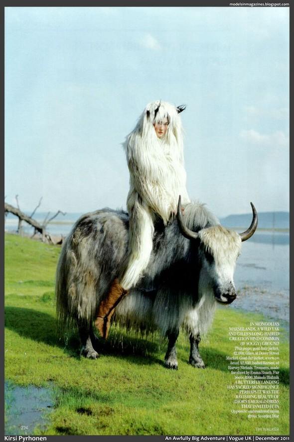 Съёмка: Тим Уокер для британского Vogue. Изображение № 6.