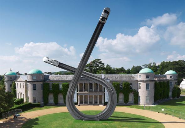 ДляAudi сделали 40-тонную скульптуру к100-ю. Изображение № 2.