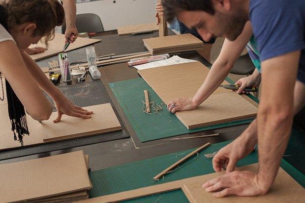 Как сделать из толстого картона абажур для лампы . Изображение № 12.