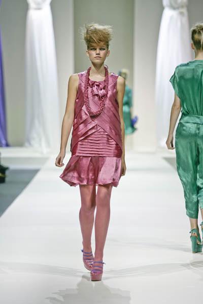 Moschino : шутник ихулиган итальянской моды. Изображение № 8.