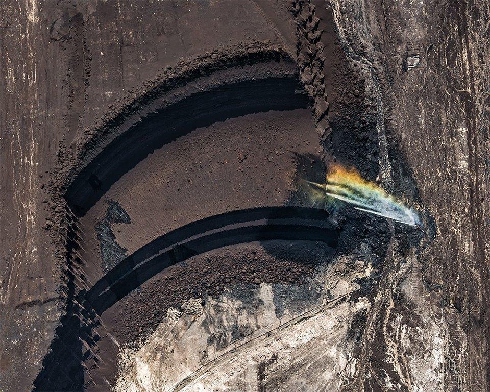 Захватывающие фотографии огромной угольной шахты. Изображение № 6.