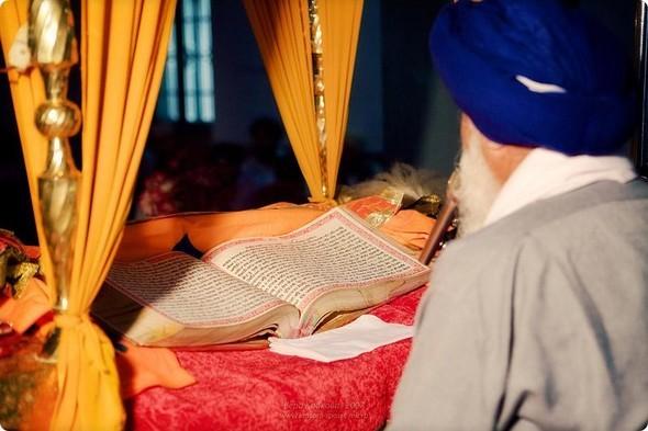 Надя иЧаранджит – Индийская сказка. Изображение № 50.