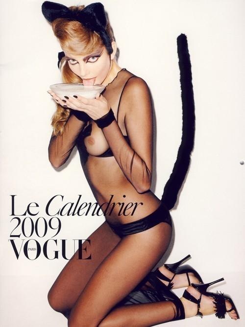 Vogue Paris 2008-2009-2010 Calendar. Изображение № 14.