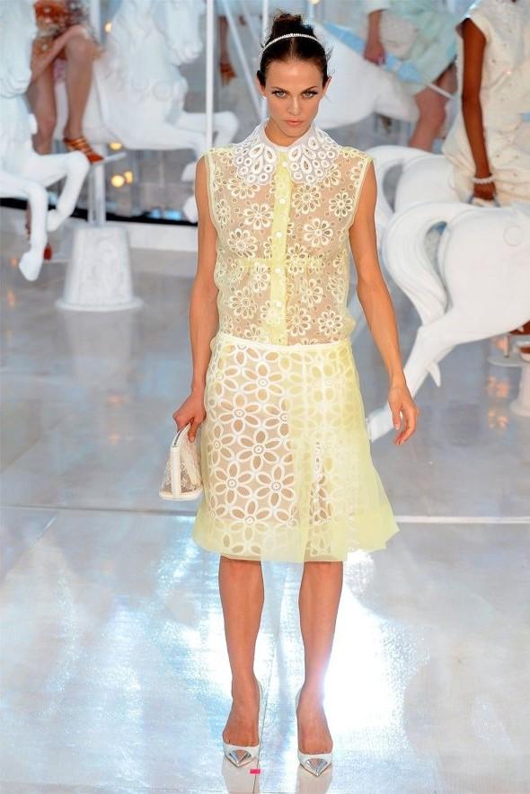 Неделя моды в Париже: Louis Vuitton весна 2012. Изображение № 3.