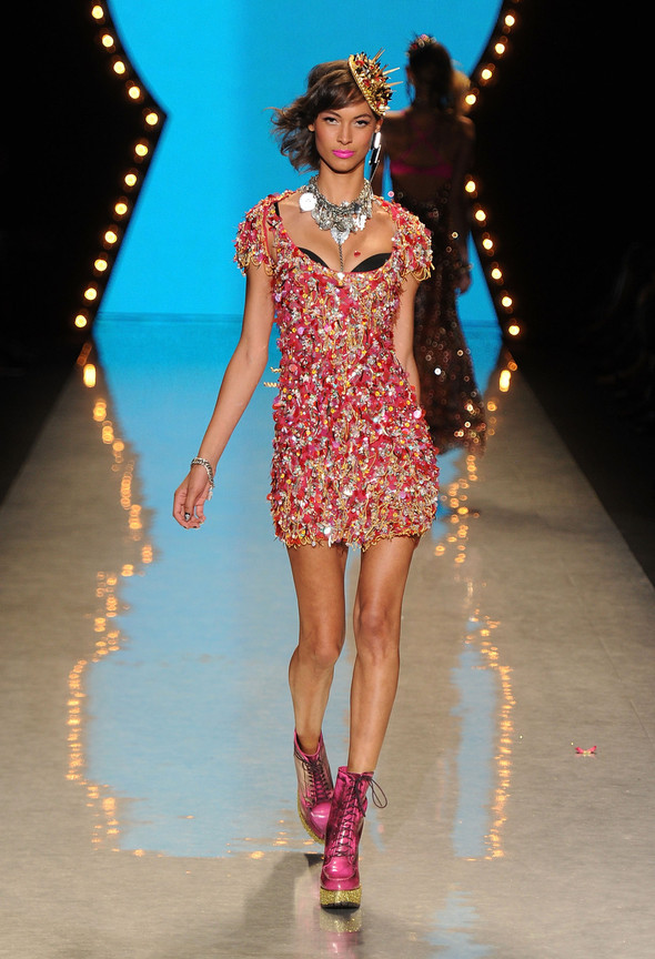 New York Fashion Week: Betsey Johnson Spring 2012. Изображение № 91.