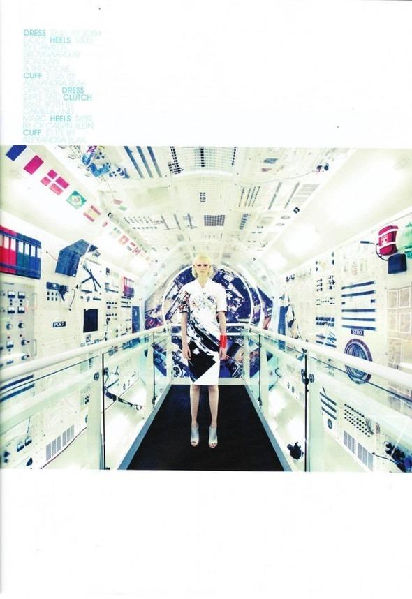Космос рядом: модные съемки к выходу фильма «Прометей». Изображение №5.
