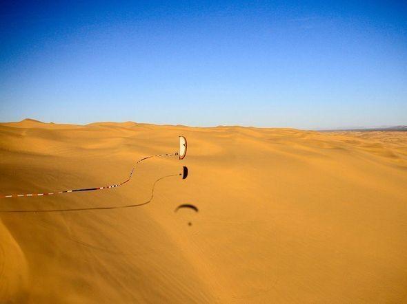 Paraglider, Glamis Dunes. Изображение № 26.