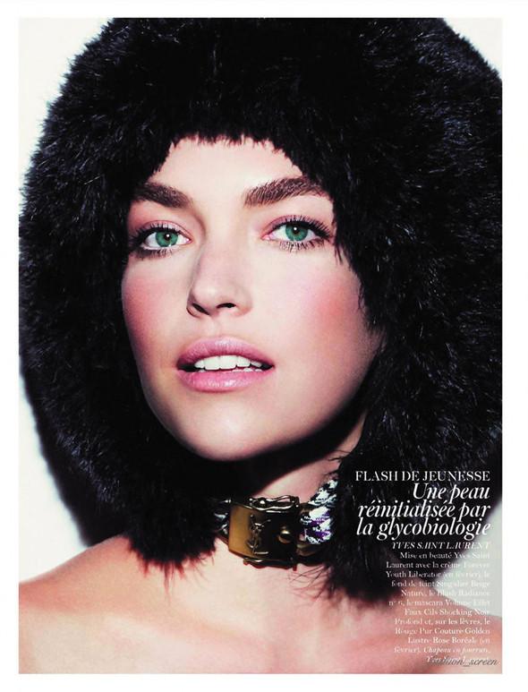 Съёмка: Аризона Мьюз, Каролина Куркова, Наташа Поли и другие для французского Vogue. Изображение № 5.
