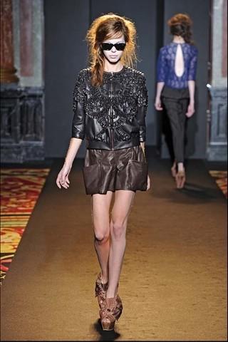 Алена Ахмадуллина на Парижской неделе моды. Изображение № 18.