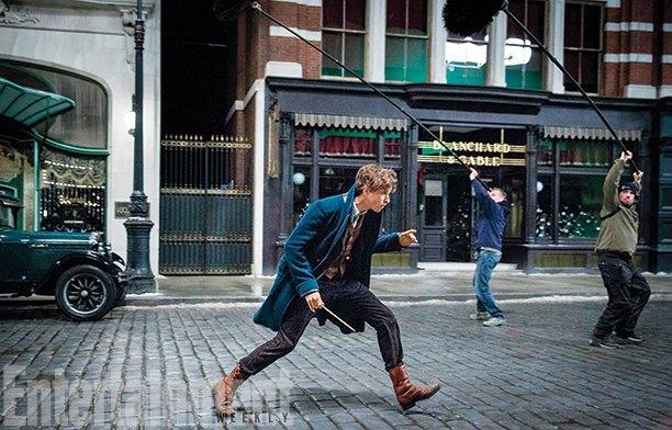 Появились кадры сЭдди Редмэйном вспин-оффе «Гарри Поттера». Изображение № 4.