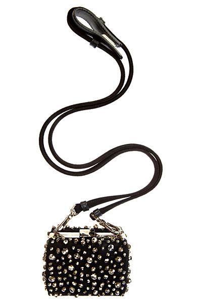 Лукбуки: Сeline, Moschino, Yves Saint Laurent и другие. Изображение № 87.