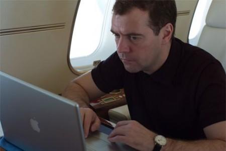 Медведев – техногик. Изображение № 1.