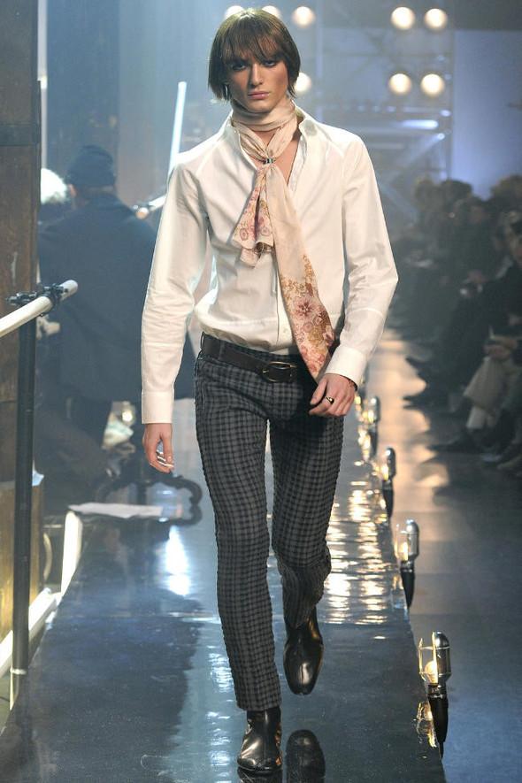 Джон Гальяно/ Осень-зима 2011/ Неделя моды в Париже. Изображение № 9.