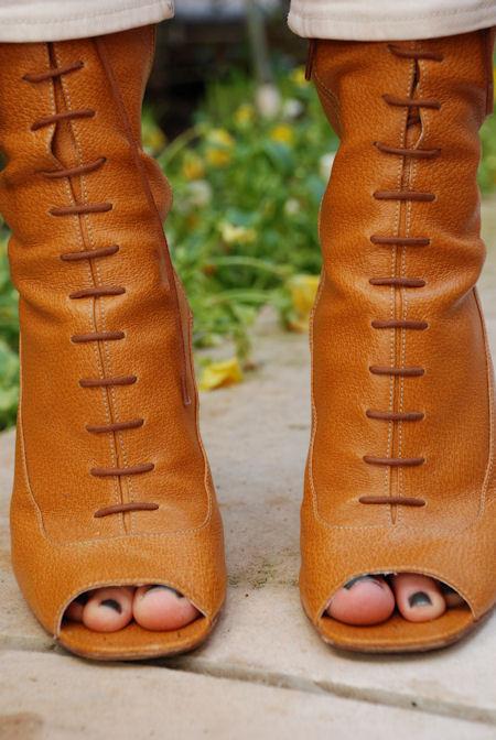 Фэшн-блоггеры делают обувь дляUrban Outfitters. Изображение № 8.