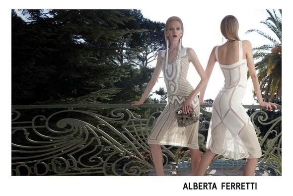 Кампания: Дарья Строкоус и Дженис Алида для Alberta Ferretti SS 2012. Изображение № 3.