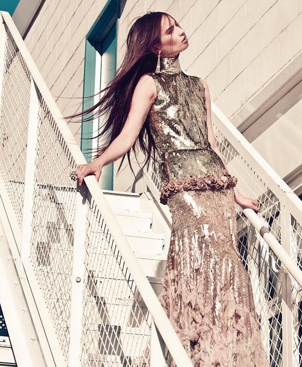 Съемка: Макензи Гамильтон для Harper's Bazaar Вьетнам. Изображение № 6.