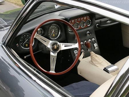 Lamborghini 400 GT22. Изображение № 10.