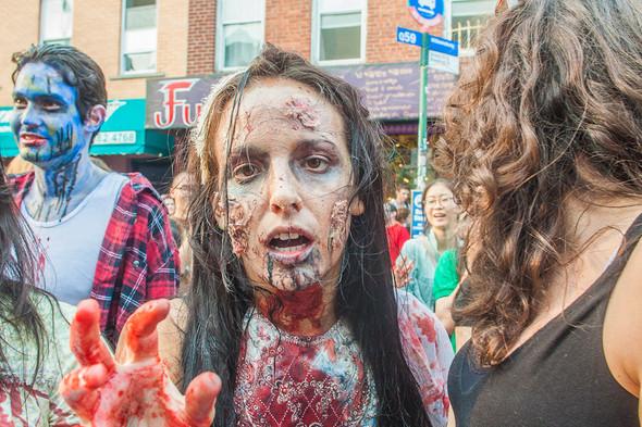 Зомби парад в Нью Йорке. NYC Zombie Crawl.. Изображение № 7.