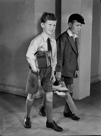 Школьники в форме,  1950-ые. Изображение №3.