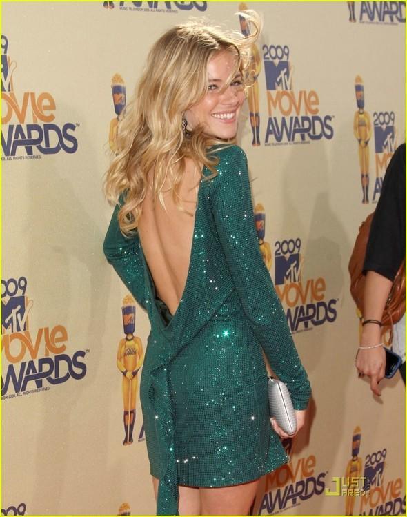 Наряды сMTV Movie Awards 2009. Изображение № 30.