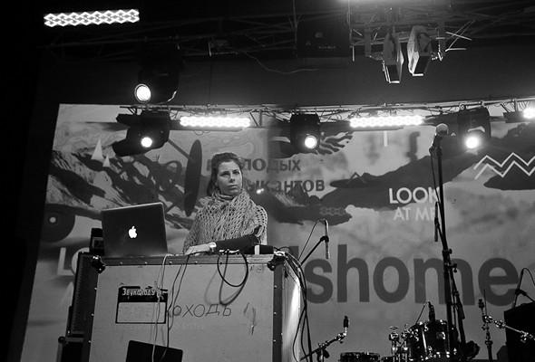 Шторм в Петербурге, выпускной и концерты с айпада: 10 молодых музыкантов на «Стереолете». Изображение № 25.