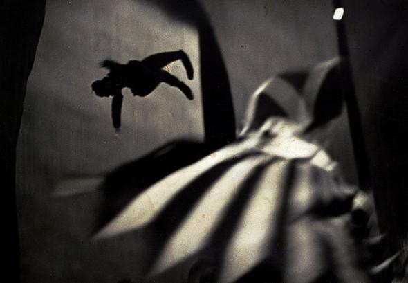 Еще восемь фотографов сюрреалистов. Изображение № 84.
