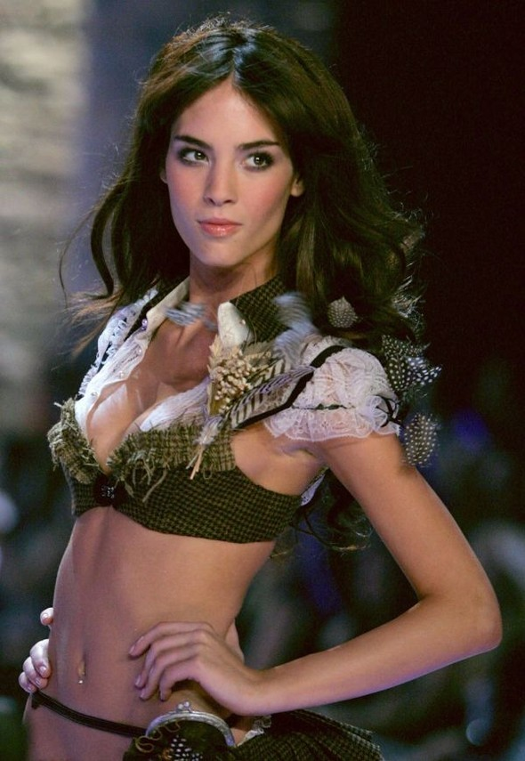 Victoria's Secret Lingerie Fashion Show 2008. Изображение № 19.