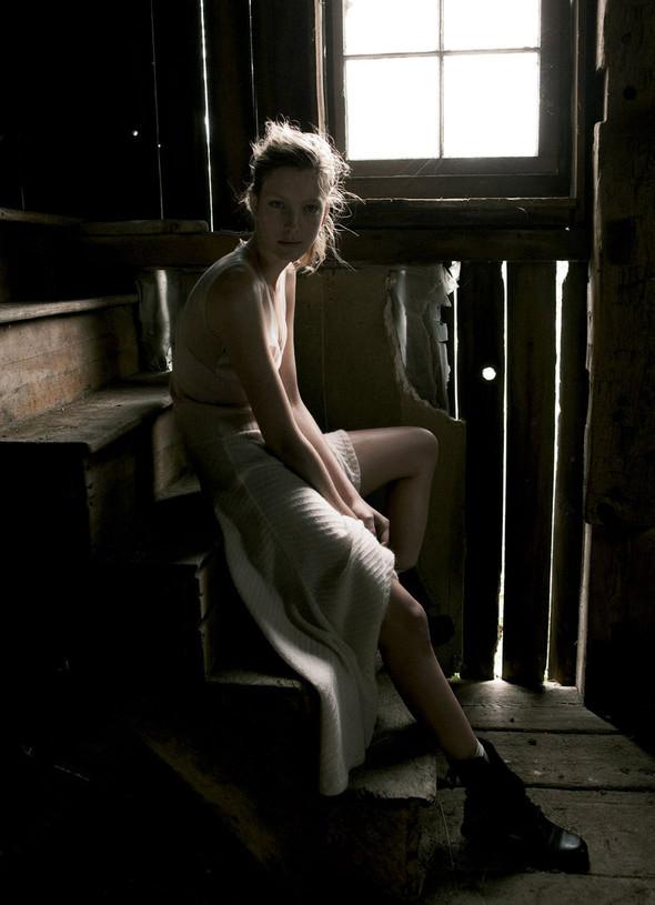 Съёмки: Interview, Harper's Bazaar, V и другие. Изображение № 14.