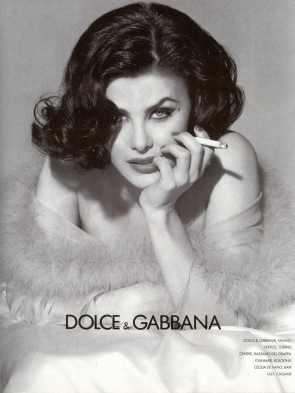 Архивная съёмка: Шерилин Фенн для кампании Dolce & Gabbana FW 1991. Изображение № 2.