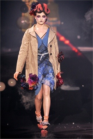 John Galliano Spring-Summer 2010. Изображение № 12.
