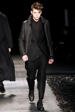 Неделя моды в Париже: мужские показы. Изображение № 81.