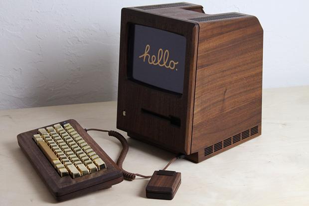 Дизайнер сделал из дерева копию компьютера Apple 1984 года. Изображение № 1.