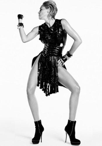 Sharon Stone forVogue Spain. Красива, какМадонна. Изображение № 2.