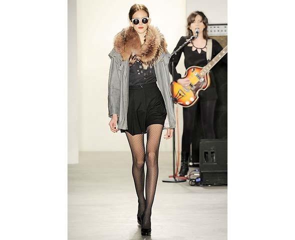 Неделя моды в Нью-Йорке: первые показы. Изображение № 77.