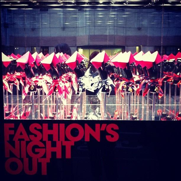 Instagram-фотоотчет о Fashion's Night Out по всему миру. Изображение № 17.