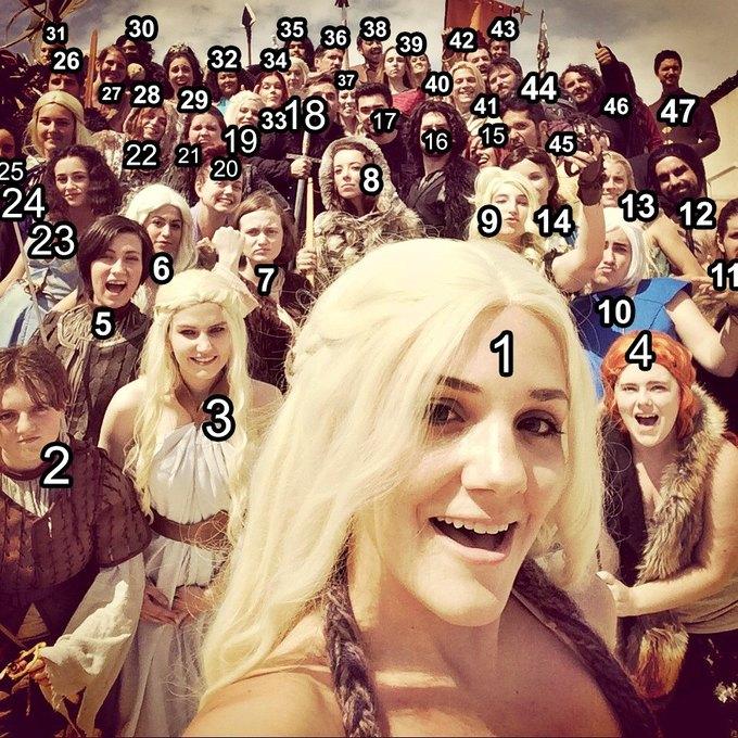 Девушка сделала селфи с 46 косплеерами «Игры престолов». Изображение № 2.