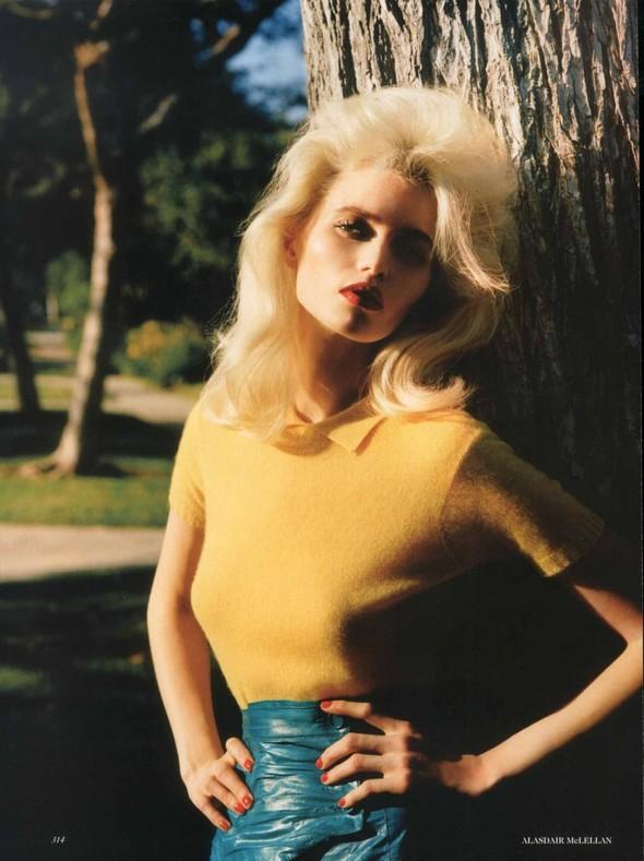 Съёмка: Эбби Ли Кершо для Vogue. Изображение № 2.