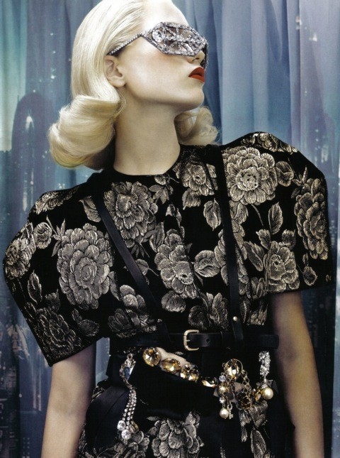 Neo-Romantic byEmma Summerton, Vogue Italia, june 2009. Изображение № 3.