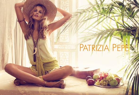 Кампания: Эдита Вилкевичюте для Patrizia Pepe SS 2012. Изображение № 2.
